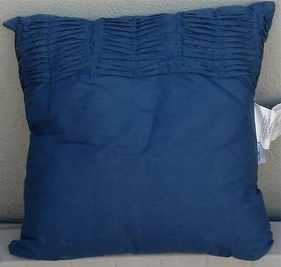 BRAND NEW Ravae Polyester Fiber Fill Throw Pillow, PRETTY PA