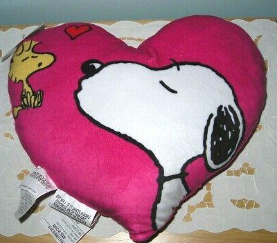 new snoopy blows kiss to woodstock valentine